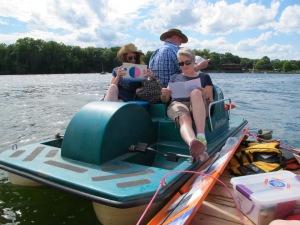 fl_paddleboat_reading